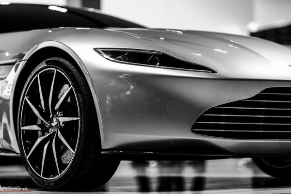 Aston Martin DB10-8