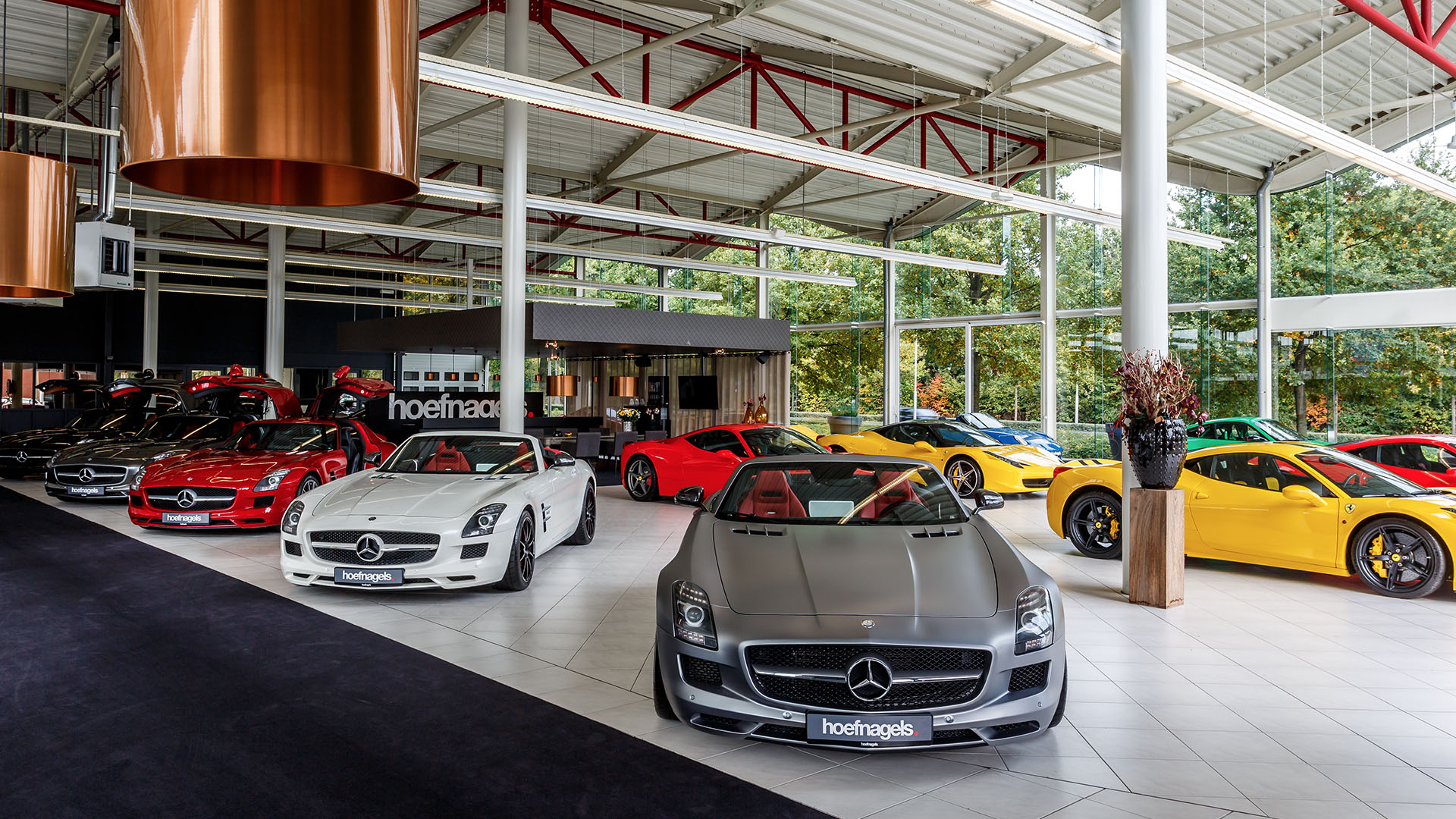 Showroom-Hoefnagels-Mercedes-1920x1080-2