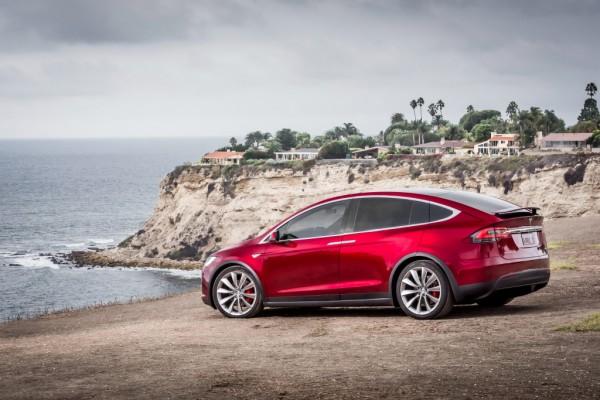 Tesla-Model-X-a-1024x684